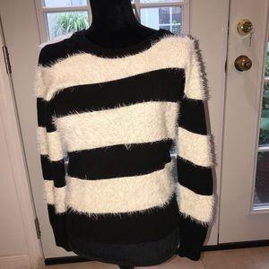 Vince Camuto Striped sweater/ Black/ White- SZ XS